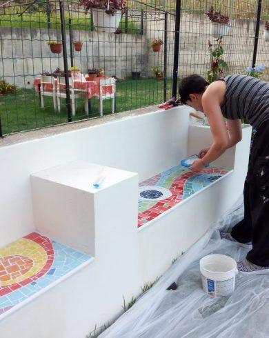 Arredamento e mosaico esterno