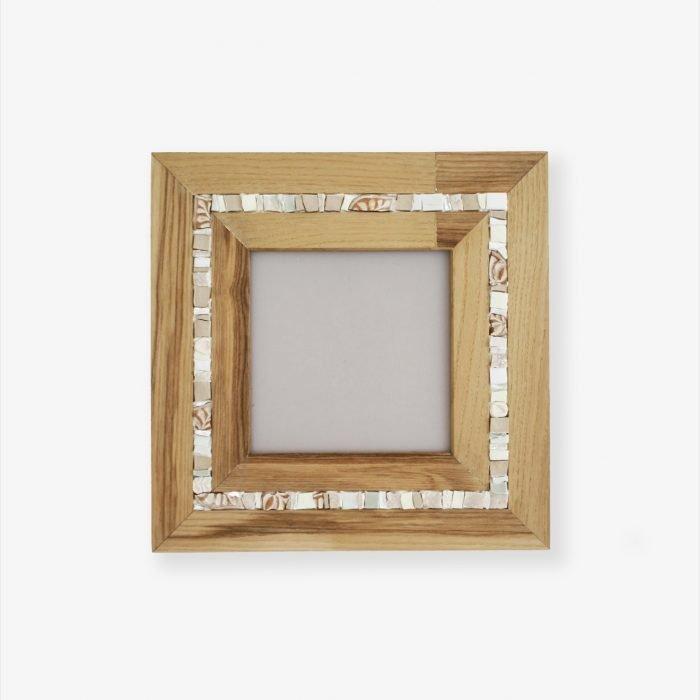 Cornice portafoto in legno e mosaico